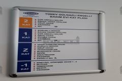 Braille_alfabeli_kabartma_kapi_isimligi025